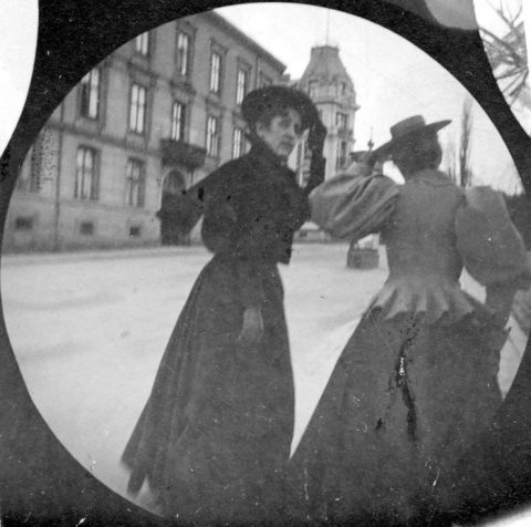 19th Century Street Photography With a Spy Camera