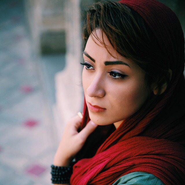 Profile picture of Farnaz Damnabi